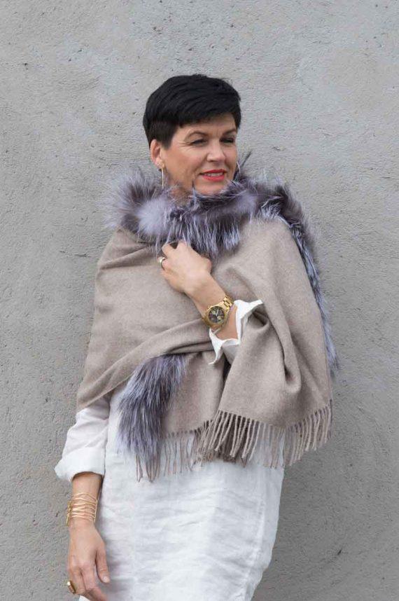 A.M de Paris skjerf 100 % alpakka fur 1 border coyote canis latrans beige 4