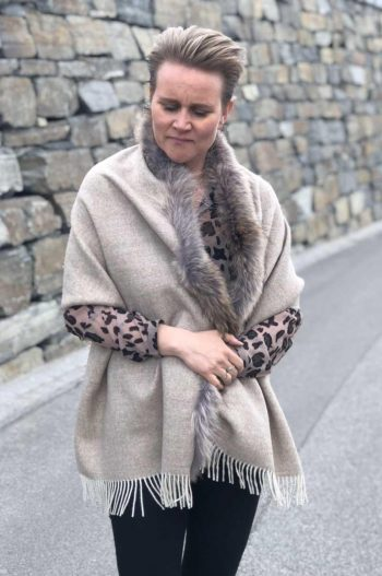 A.M de Paris skjerf 100 % alpakka + fur 1 border coyote canis latrans beige
