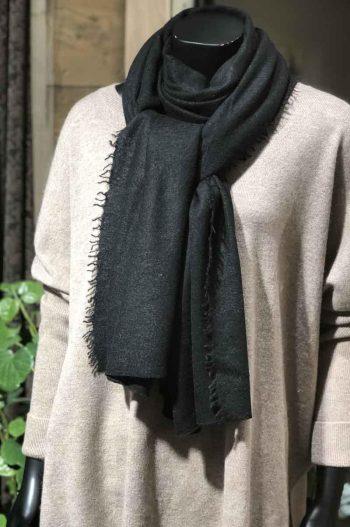 Balmuir Helsinki scarf Cashmere Black