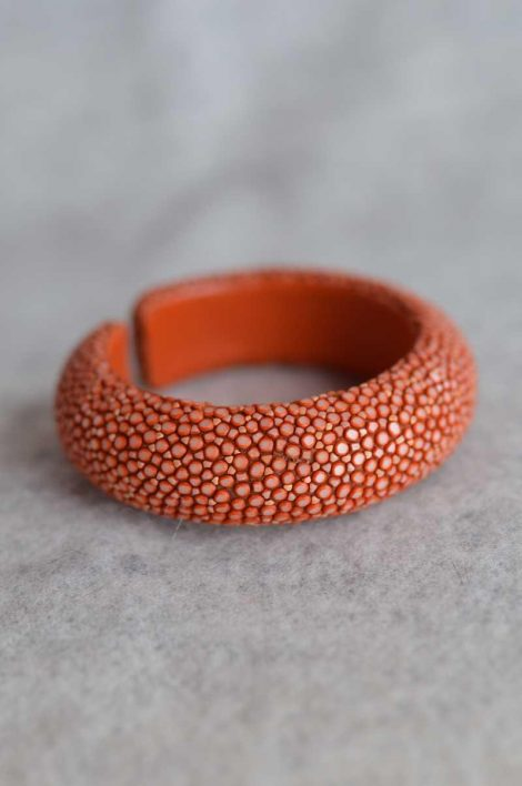 Balmuir Milan 20mm stingray bracelet, M, caviar Stingray/genuine leather, curve, width 20mm