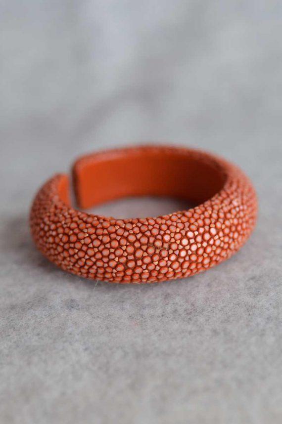 Balmuir-Milan-20mm-stingray-bracelet-M-caviar-Stingraygenuine-leather-curve-width-20mm_1584624239.jpg