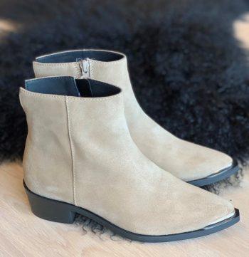 Shoe Biz Copenhagen Kiki Suede Taupe
