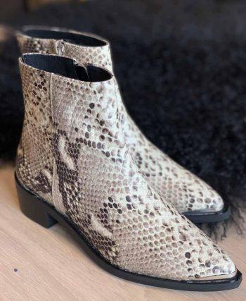 Shoe Biz Copenhagen Kiki Velvet Cruel Nature